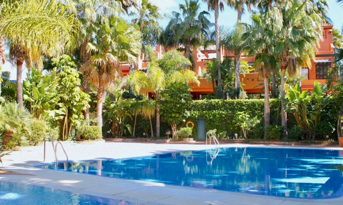 4-bedroom-Town-House-for-sale-Monte-Marbella-Club-3893-3-1200x1000